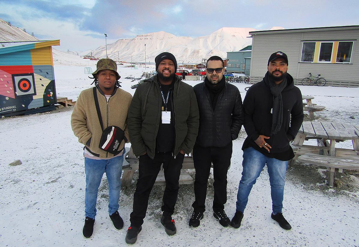 Med mørketida kjem nordlyset og bluesfestivalen til Svalbard